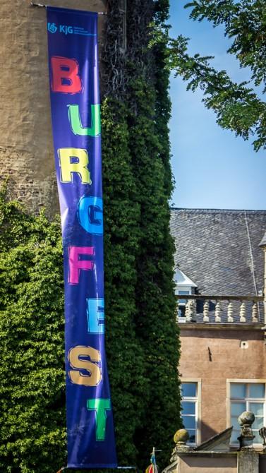 Das Burgfest-Banner